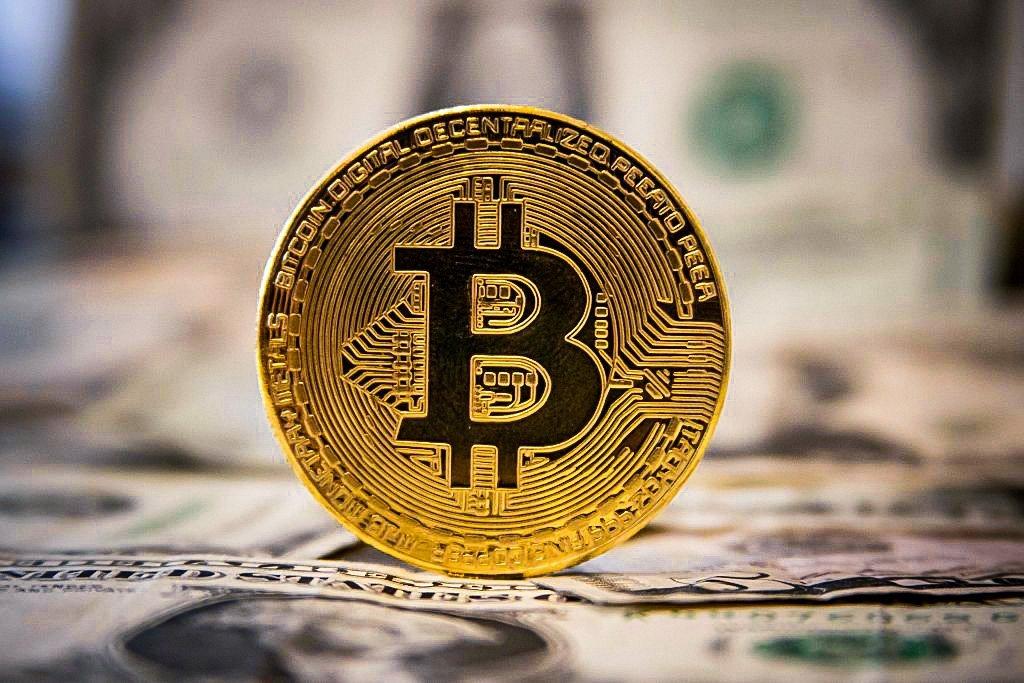Dolar e bitcoin