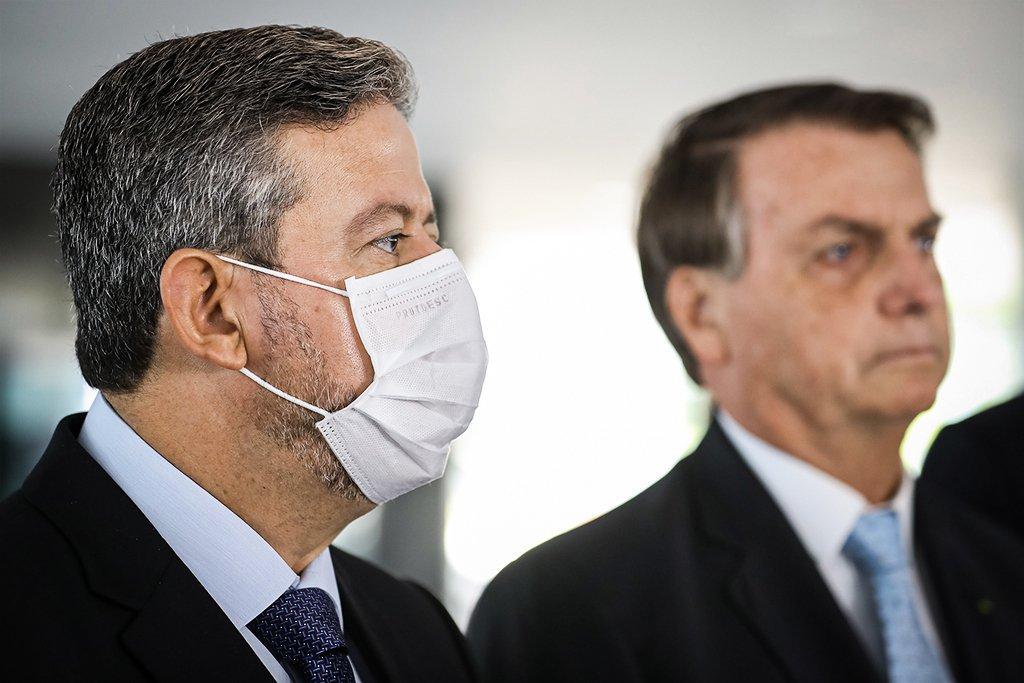 Presidente da Câmara dos Deputados, Arthur Lira, e o presidente Jair Bolsonaro