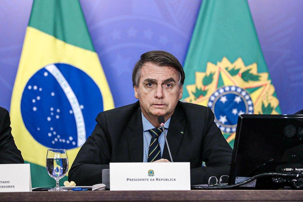 Presidente Jair Bolsonaro durante reunião com Sergio Segovia, Presidente da Apex-Brasil.