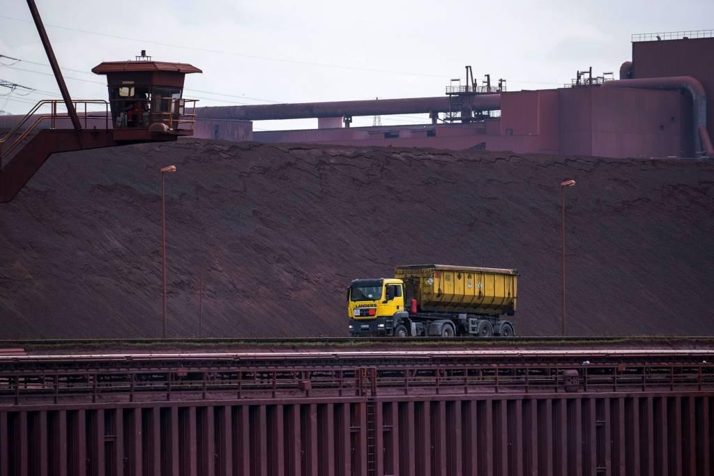 minerio-de-ferro-duisburg-alemanha-Krisztian-Bocsi-Bloomberg