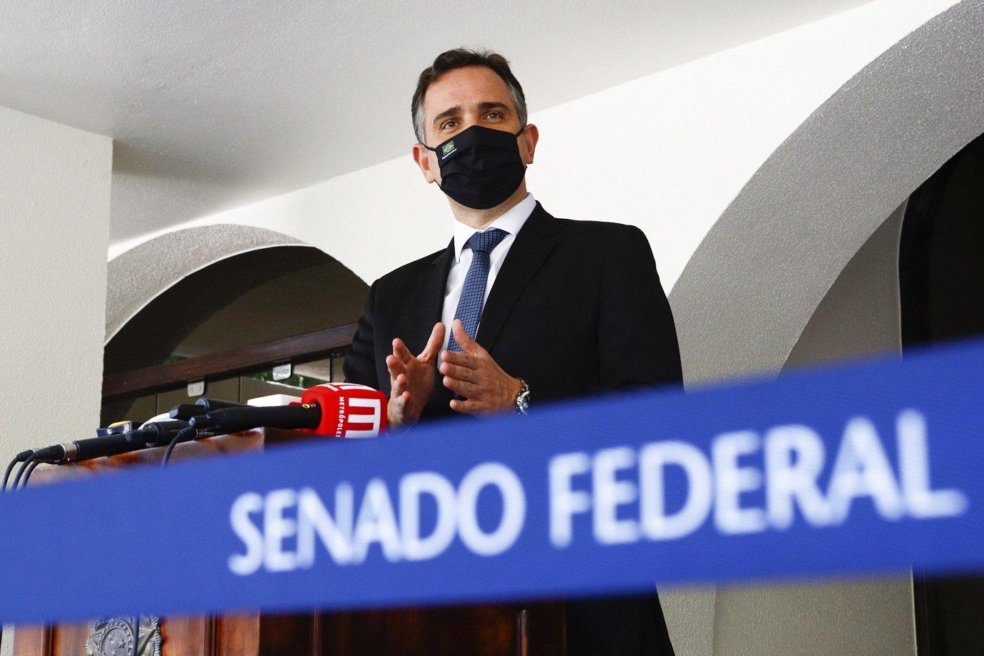 Presidente do Senado Federal, senador Rodrigo Pacheco (DEM-MG), concede entrevista coletiva para falar sobre a instalação da CPI da Pandemia.
