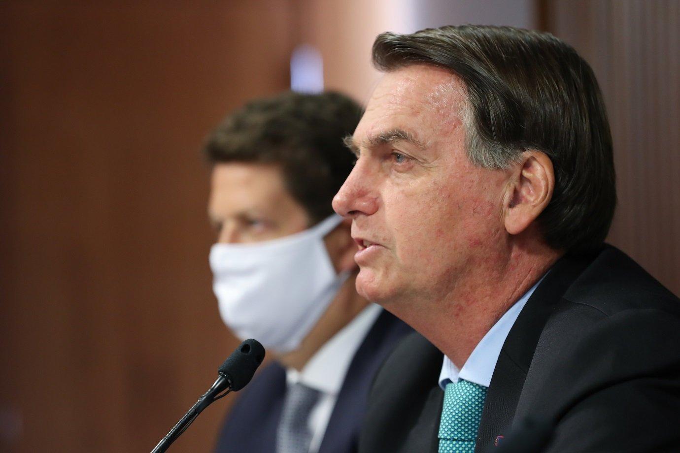 Imprensa internacional vê com ceticismo promessas de Bolsonaro na Cúpula