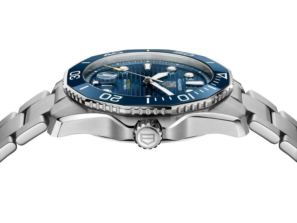 High Quality PNG WBP201B.BA0632 PROFIL The return of Aquaracer, one of TAG Heuer's most striking watches