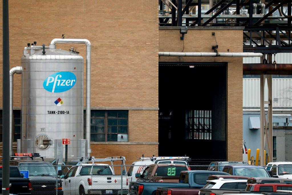 Fábrica de vacinas da Pfizer nos EUA