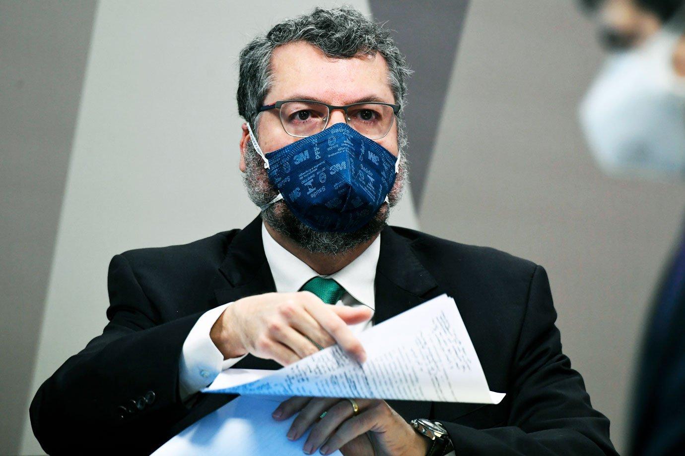 Ernesto Araújo aciona STF contra quebra de sigilo aprovada pela CPI