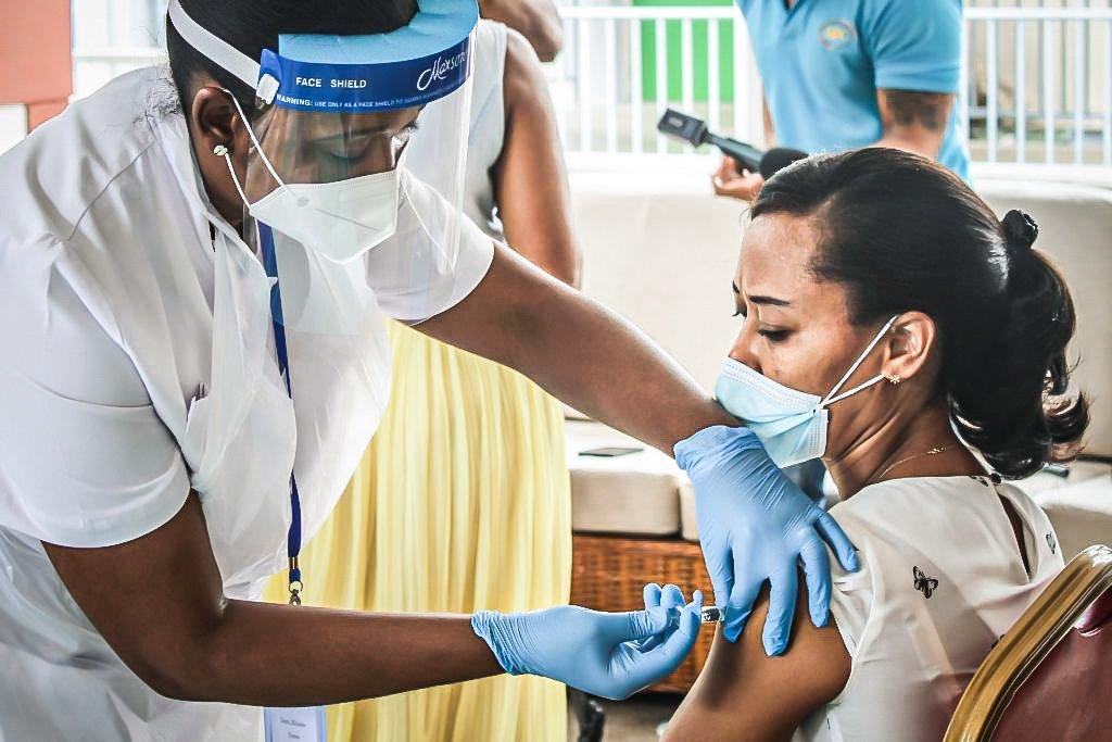 Governo informa que Brasil receberá 2 milhões de doses de vacina a menos