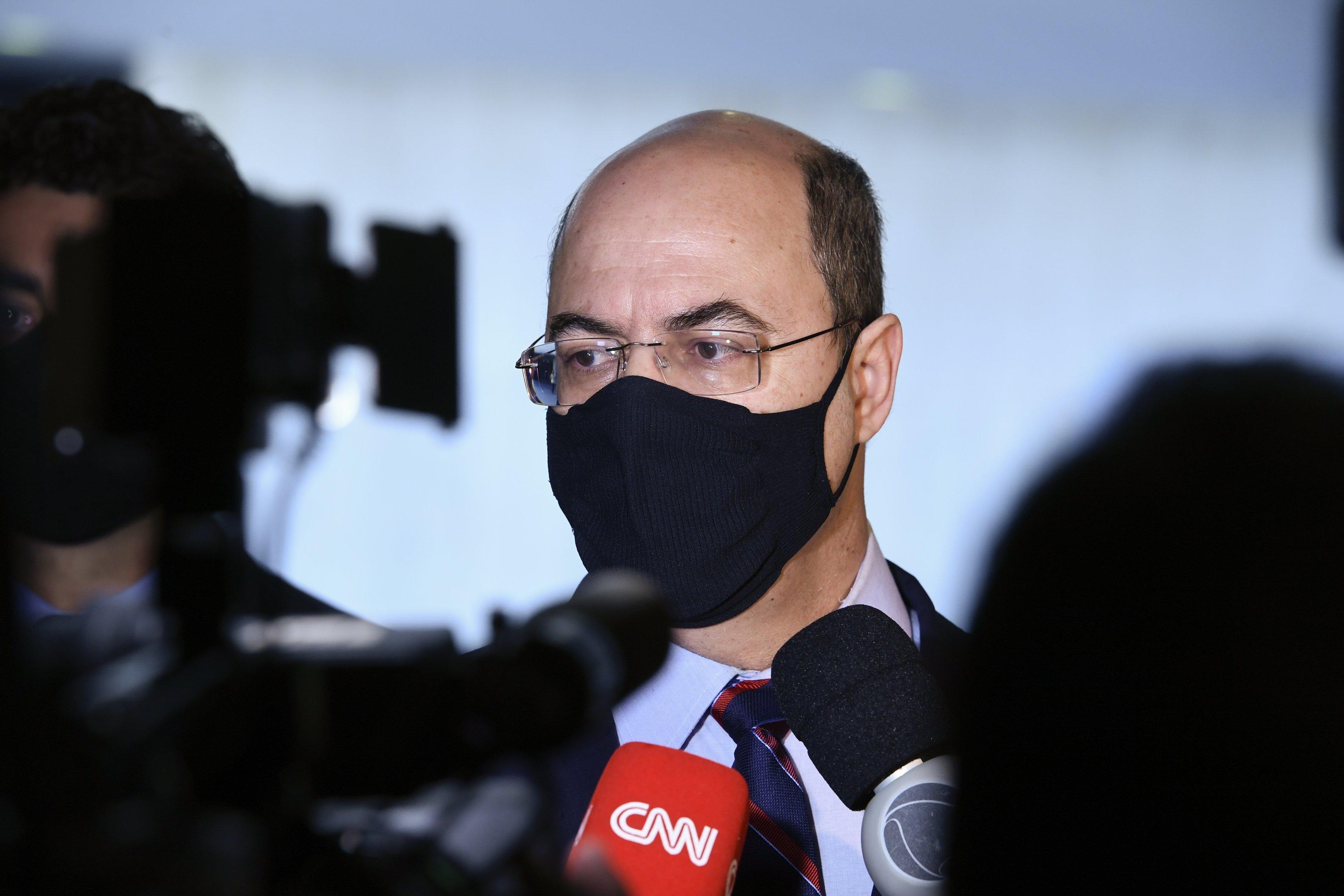 Cassado, Witzel usa palanque da CPI para acertar contas com Bolsonaro