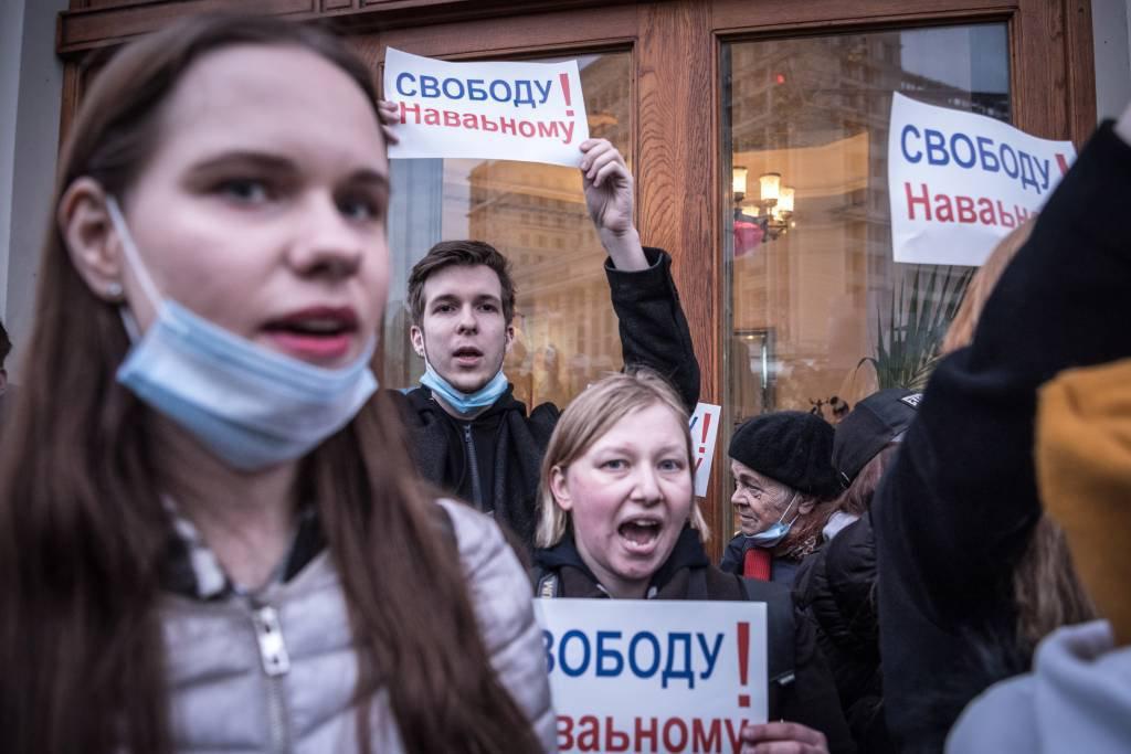 Protestos contra censura