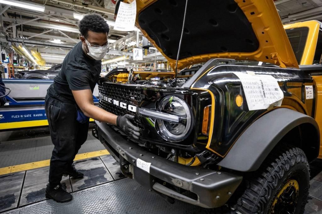Ford Bronco na fábrica