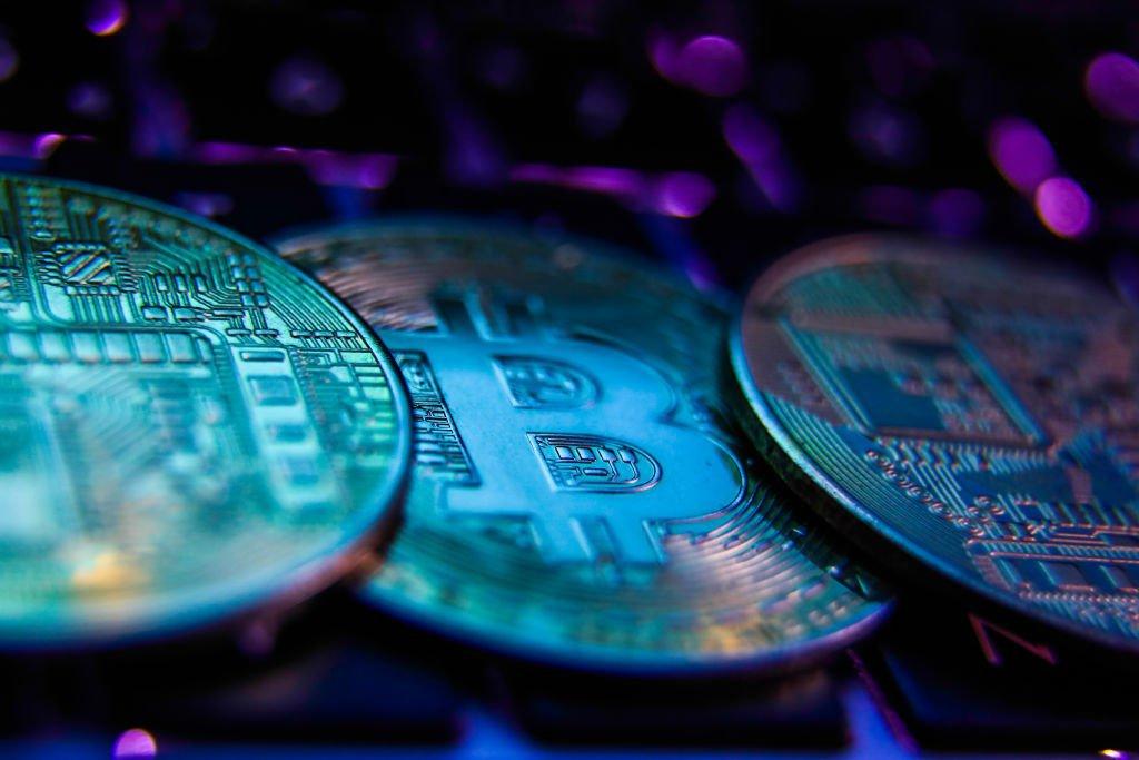 Preço do bitcoin estabiliza e terá resistência entre US$48.000 e US$50.000
