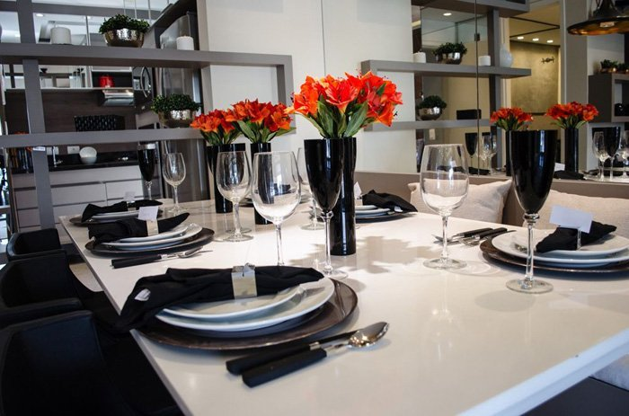 8 6 Ways to Decorate the Dining Table