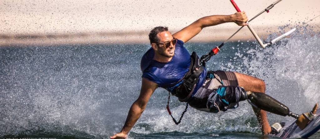 Andre Cintra kite 2 credito Bruna Toledo Paralympic athlete and CEO, for André Cintra, professions intersect