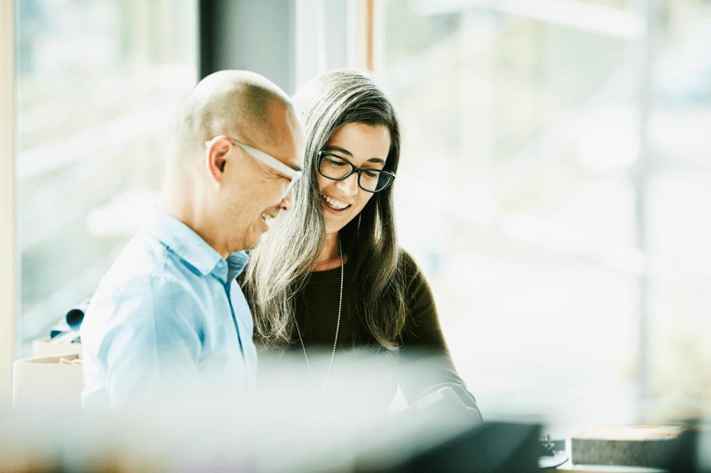 Empresas devem ajudar na educação financeira dos profissionais
