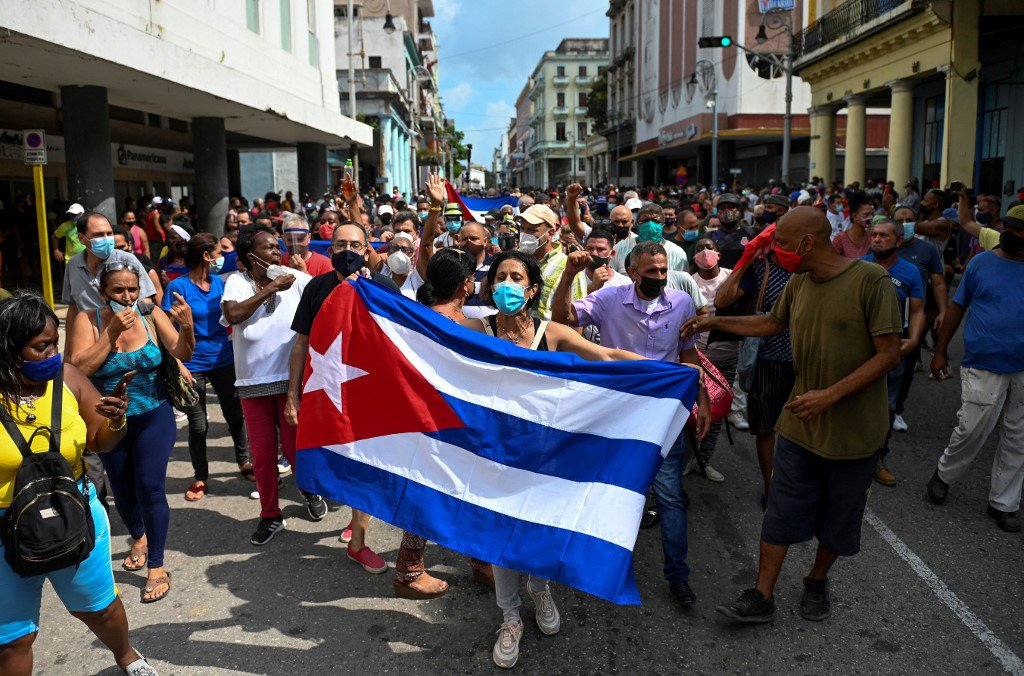cuvba protesto pro governo After protest, Cuban president summons revolutionaries