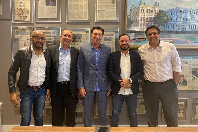 Grupo Inova SA: Geraldo Marques (esq), Edson Monteiro, Janguiê Diniz, Reginaldo Pereira e Jorge Iazigi