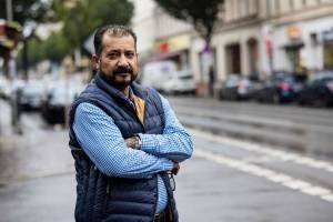 Sayed Sadaat afeganistao How the former minister of Afghanistan became a delivery boy in Germany