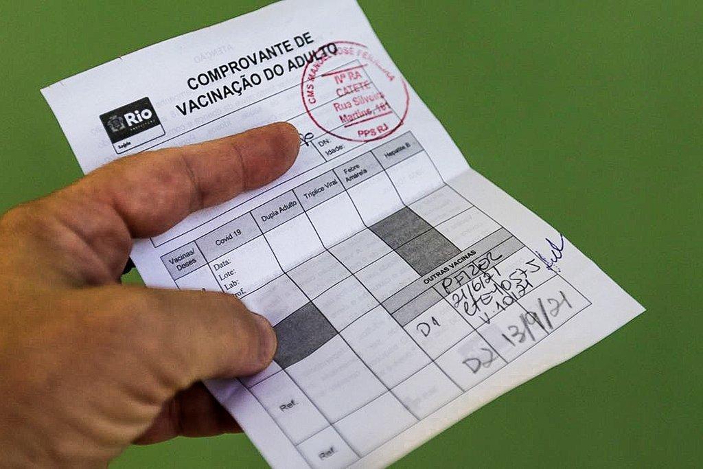 'Passaporte da vacina' começa a valer hoje no Rio; tire suas dúvidas