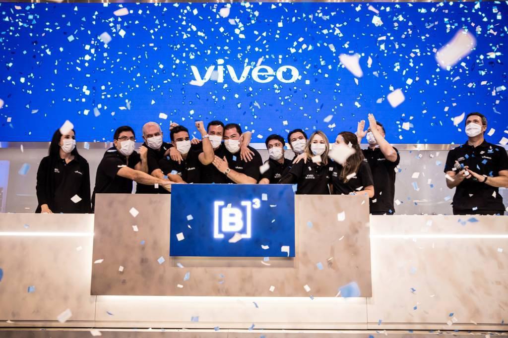 Executivos da Viveo na cerimônia de estreia da empresa na B3, nesta segunda-feira, 9 de agosto de 2021