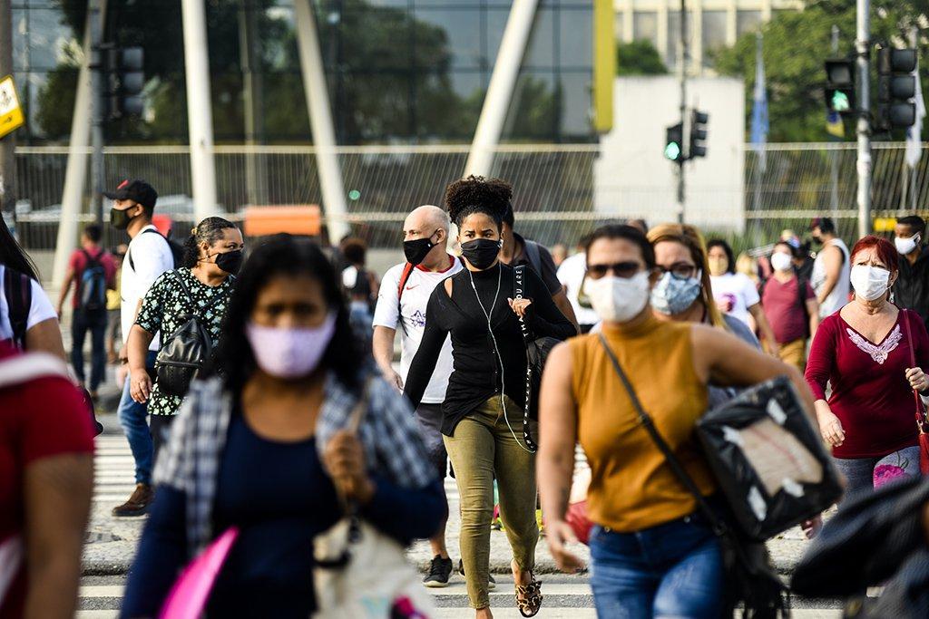 Prefeitura do Rio libera 2 eventos privados com 5.000 pessoas sem máscara