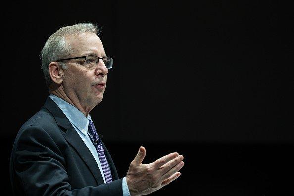 EUA pode ter que subir juro antes do previsto, diz ex-Fed