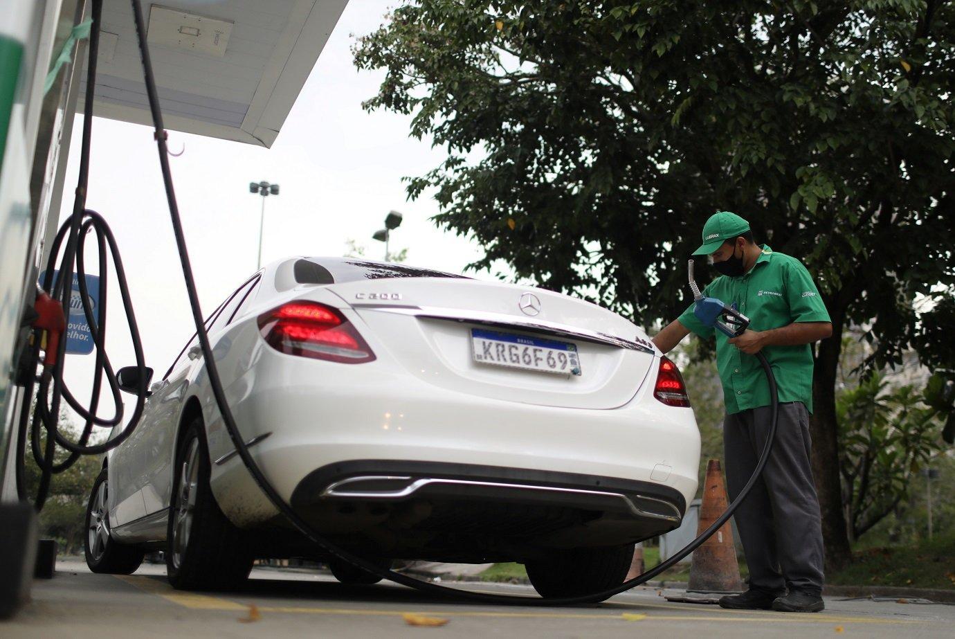 Projeto sobre ICMS de combustíveis pode tirar R$ 24 bilhões de estados