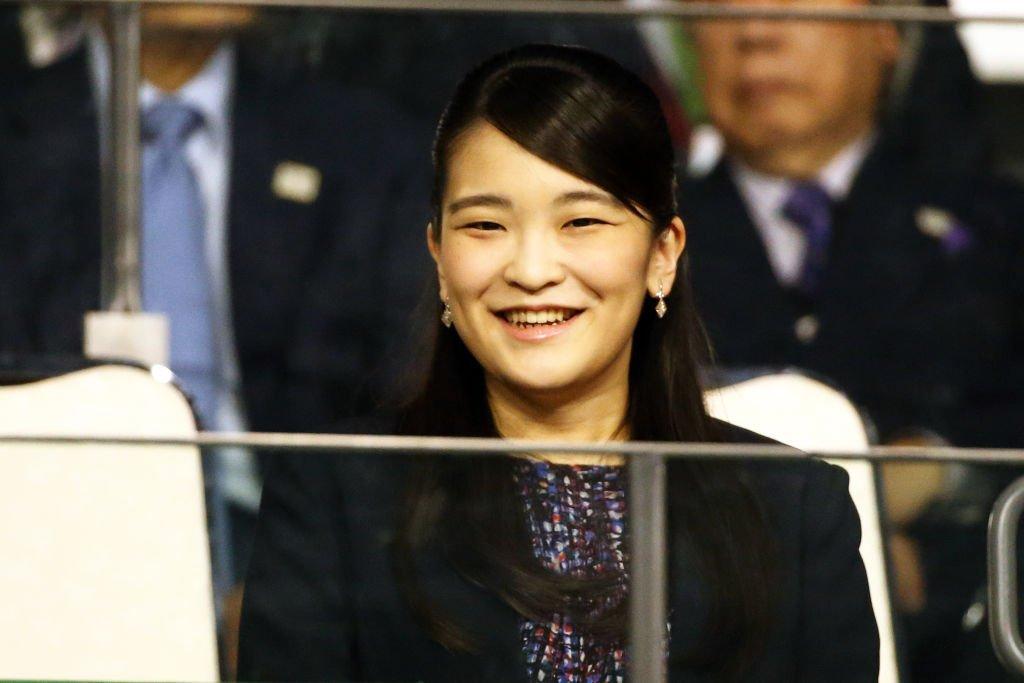 Princesa do Japão supera escândalo financeiro para se casar