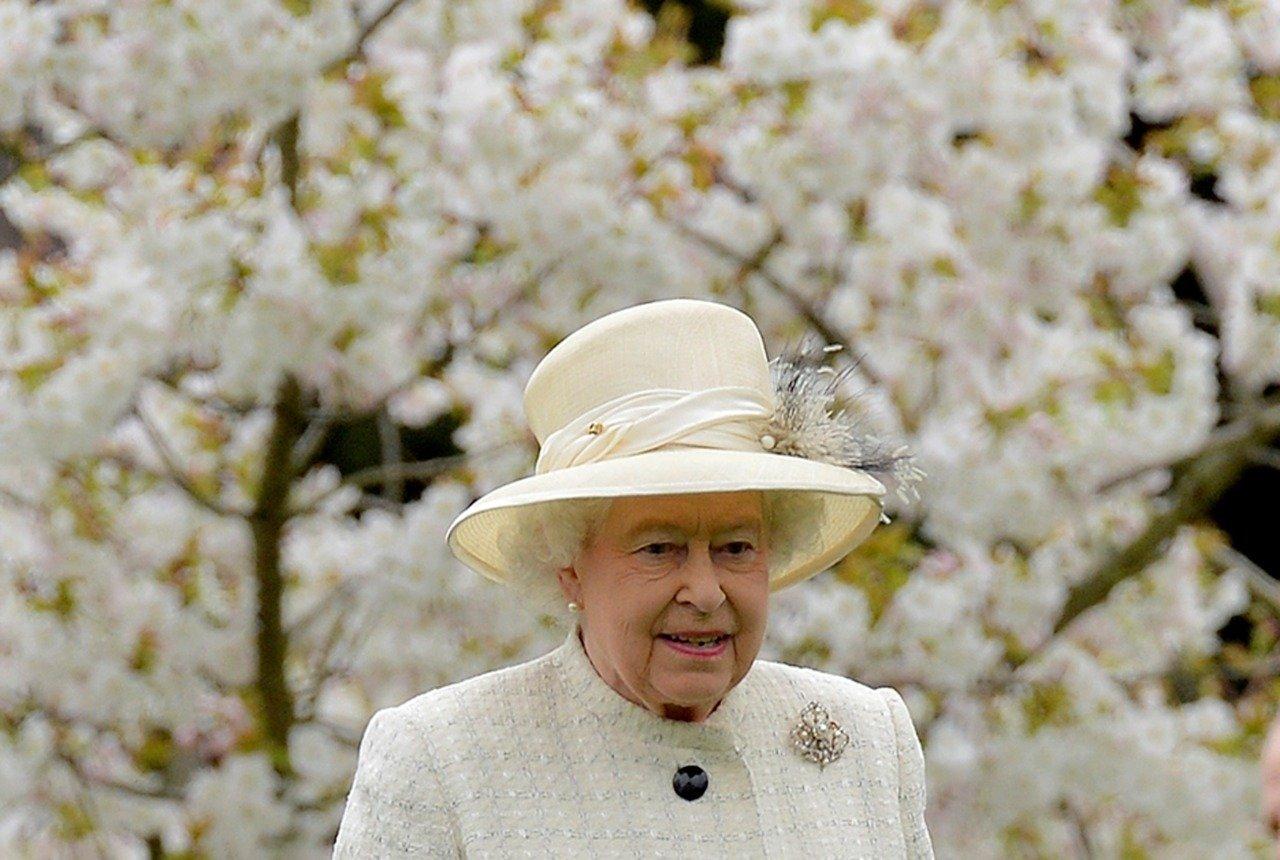 Rainha Elizabeth II foi internada após cancelar visita à Irlanda do Norte