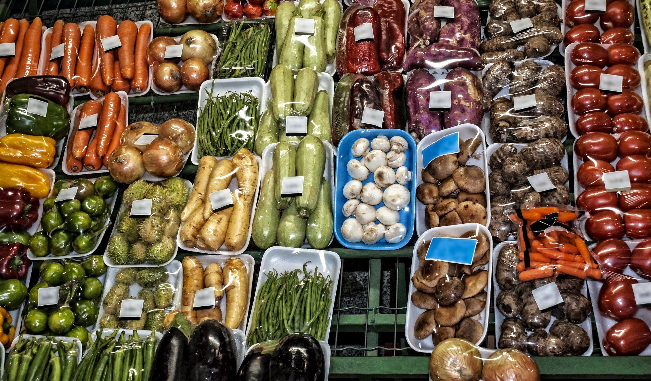 França vai proibir embalagens plásticas em frutas e vegetais